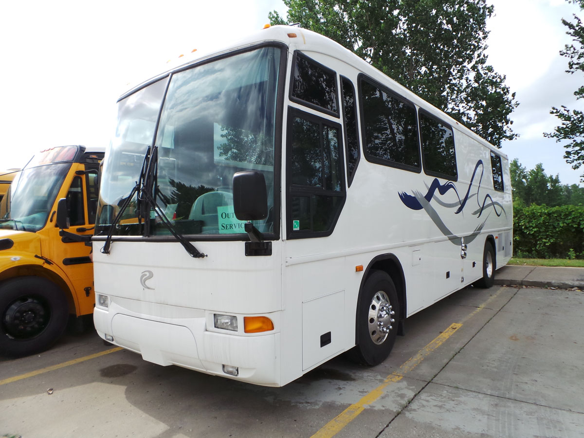 Mci f3500 executive rv coach buses and more for Motor coach driving jobs
