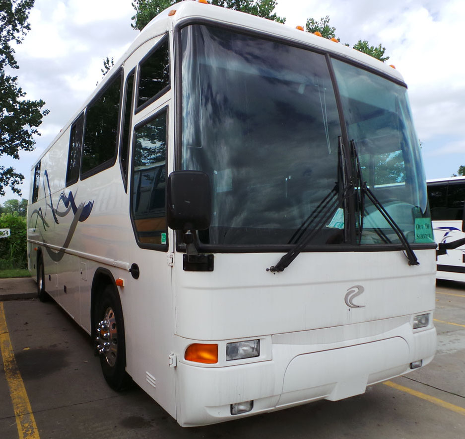 MCI F3500 Executive / RV Coach | Buses and More