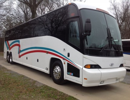 2009 J4500 1 owner TN Coach new (1) GALLERY PHOTO